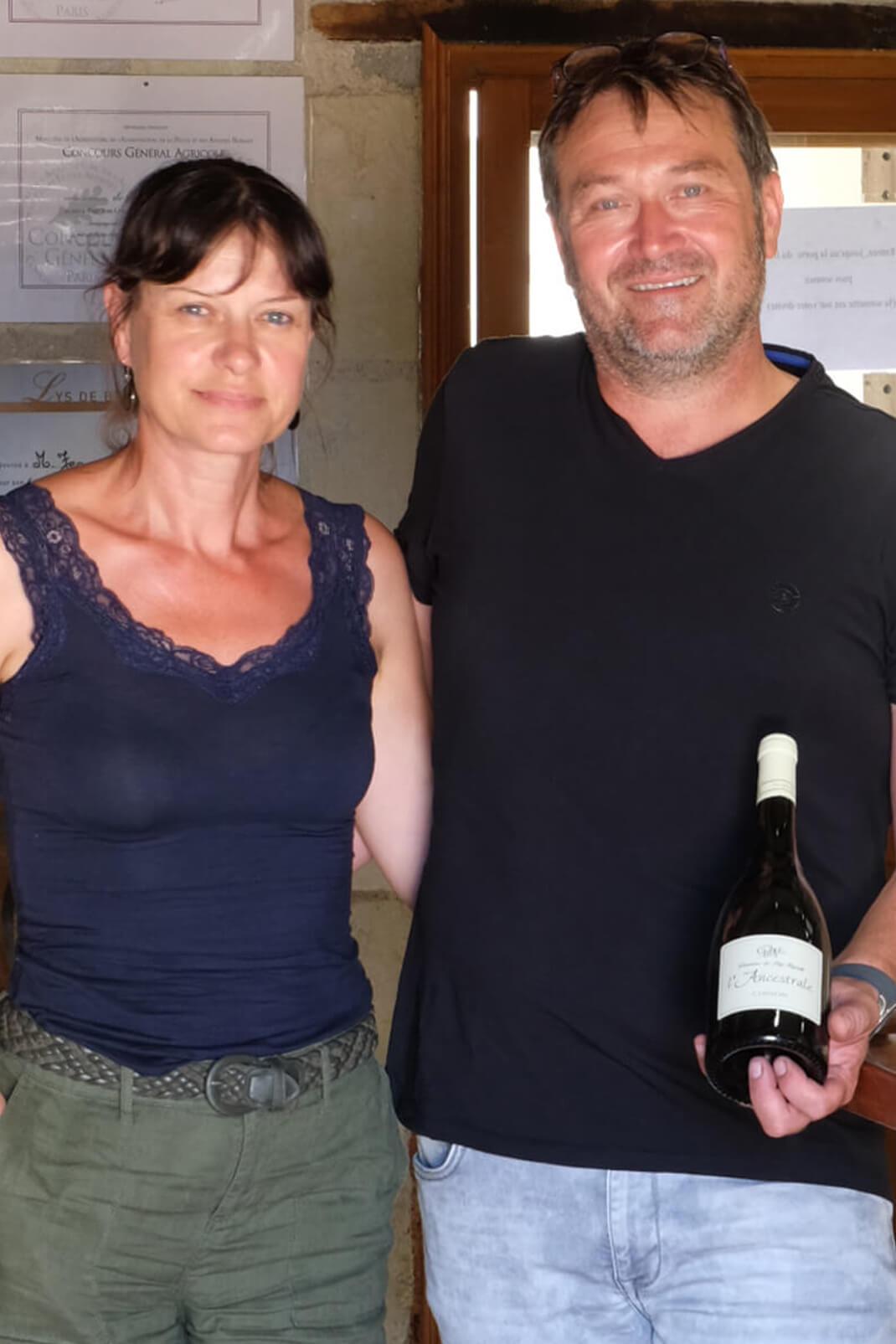 Agnès et Jean-Louis Page vignerons en AOC Chinon au domaine du Puy Rigault.