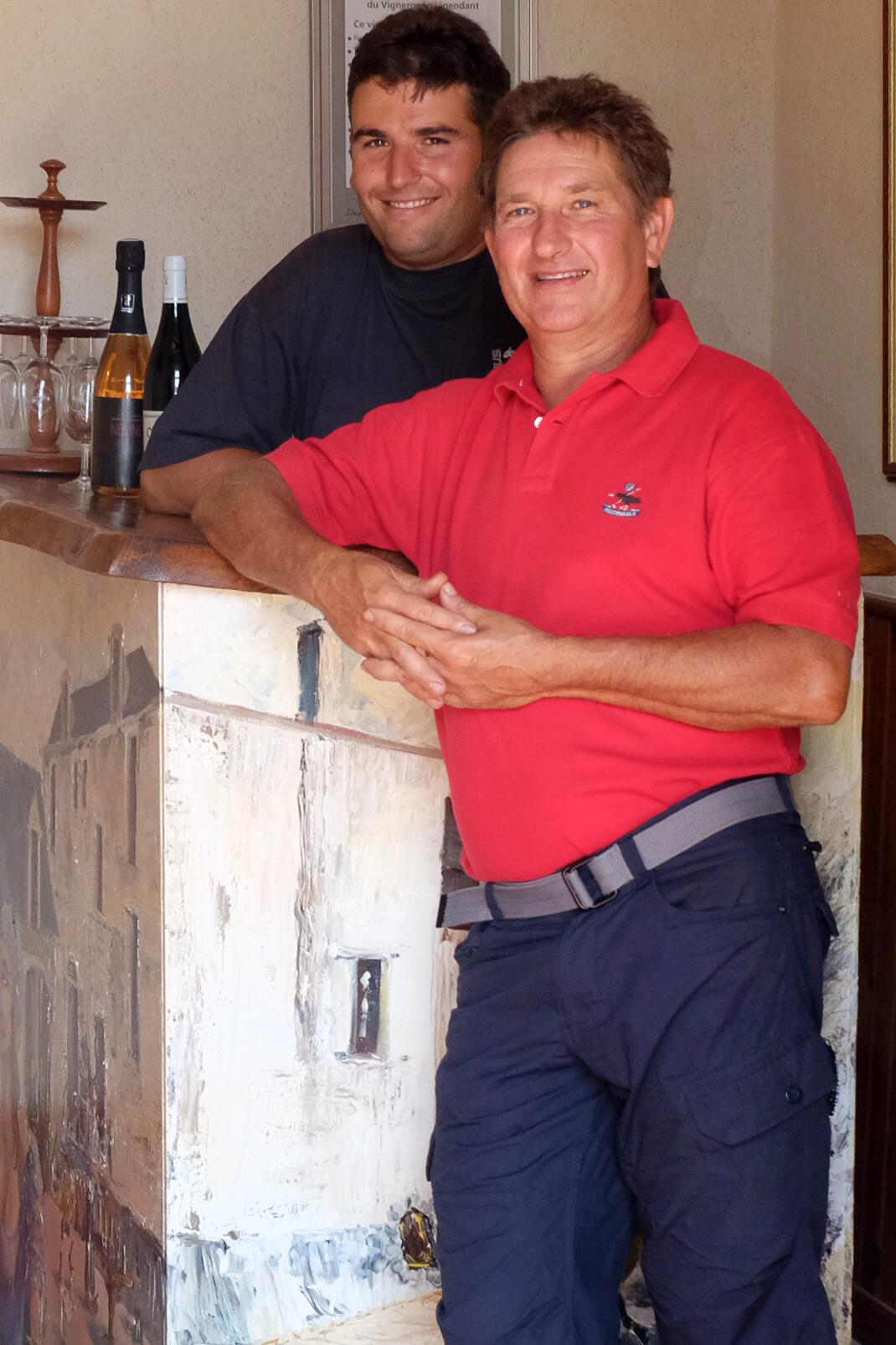 Portrait de Vincent et Matthieu Bellivier du domaine Bellivier, vignerons en AOC Chinon à Huisme